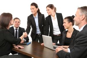 ミーティングを効率化! 生産性を上げる5つの要素とは