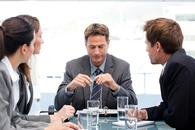 無駄な会議と成果の出る会議の違いは?その手法とは