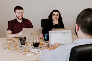 定例会の開催をスムーズに行うためのおすすめ日程調整ツールを紹介(TimeRex / waaq Link / スケコン / biskett / Jicoo / Calendly)