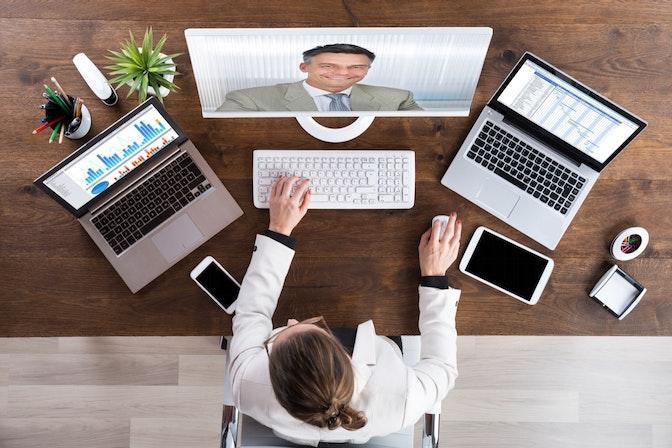 【2021年版】リモートワークでも仮想オフィスでコミュニケーションを活発にしよう!おすすめツール5選!(Remotty/roundz/RISA/oVice/Remo)